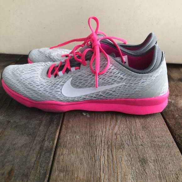 Women's Nike Midfit Running Shoes Size 7.5 White and Majenta